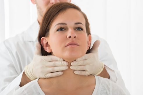 Woman with Hashimoto's thyroiditis