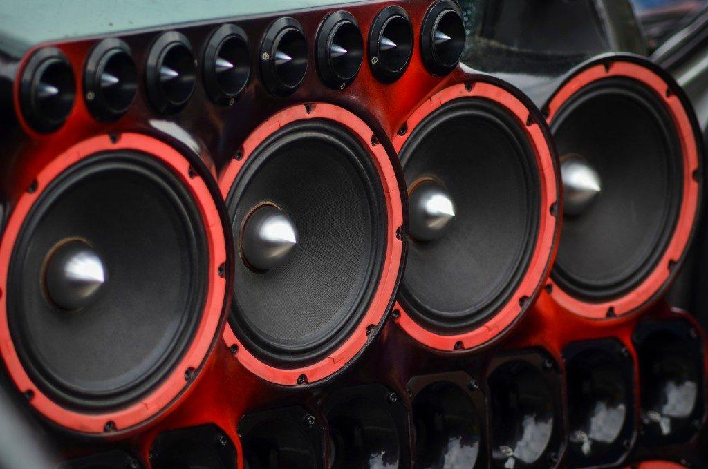 Installed powerful audio speakers