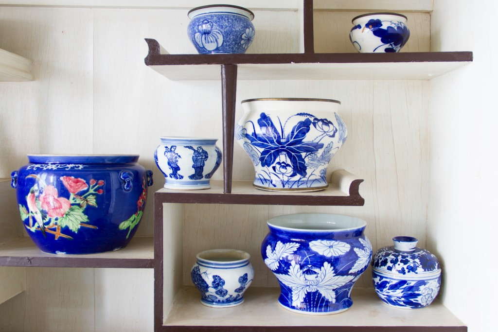 porcelain ceramic bowls on shelves
